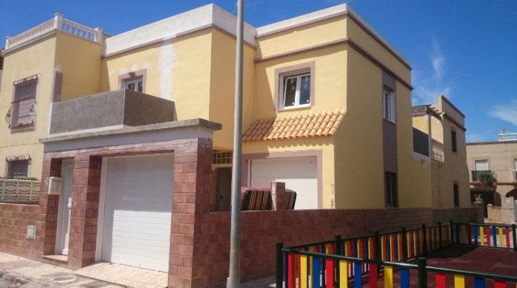 Casa completa en Roquetas de Mar